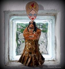 Hello people!... (* Cláudia Helena * brincadeira de papel *) Tags: brazil love brasil amor escultura papermache ateliê papiermachè papelmachê cláudiahelena