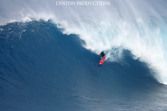 IMG_3145 copy (Aaron Lynton) Tags: canon waves sigma surfing jaws xxl peahi bigwave wsl lyntonproductions