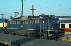 110 156  Stuttgart Hbf  12.04.80 (w. + h. brutzer) Tags: analog train germany deutschland nikon stuttgart 110 eisenbahn railway zug trains db locomotive lokomotive e10 elok eisenbahnen eloks webru