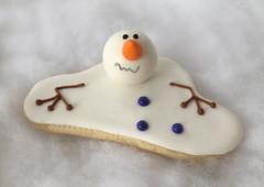 melting snowman cookie (sagodlove) Tags: snowmen fondant decoratedsugarcookies snowmancookie meltingsnowman 3dcookies meltingsnowmancookie