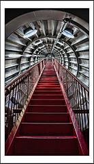 To infinity... and beyond! (Paco CT) Tags: architecture construction arquitectura dof belgium interior perspective indoor escalera construccion inside bruselas perspectiva bel atomium 2016 edificacion pacoct atomiumbruxelles