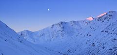 The Screaming Moon (J McSporran) Tags: sunrise scotland glencoe buachailleetivebeag bideannambian stobcoiresgreamhach