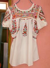 Oaxaca Mexico San Antonino Blouse (Teyacapan) Tags: mexico clothing mexican oaxaca textiles embroidered ropa bordados blouses zapotec blusas sanantonino