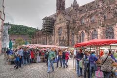 Friburgo, mercado en la plaza de la Catedral. (JuanmaMateos) Tags: alemania friburgo photomatix ecologica pseudohdr juanmamateos