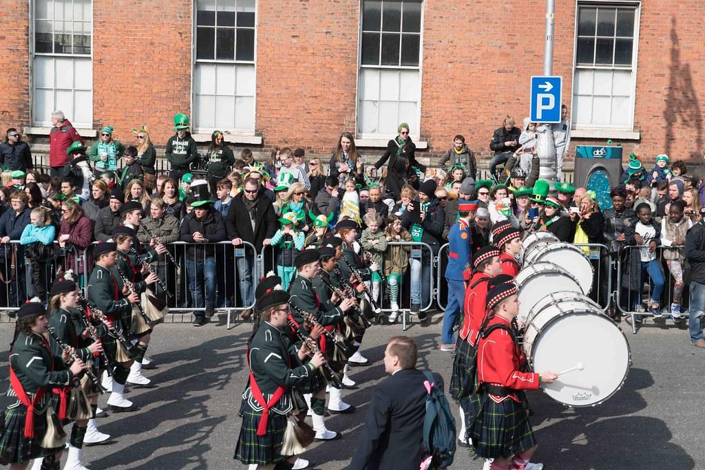 SHORECREST HIGH SCHOOL [ST. PATRICK'S PARADE IN DUBLIN 2016]-112290