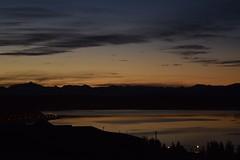 Dile adis al sol, hola a la luna  #elcalafate #atardecer #patagonia #argentina #nikon (LucasCobas) Tags: patagonia argentina atardecer nikon elcalafate