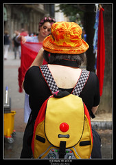 fotgrafa en accin (wuploteg1) Tags: espaa bay spain country bilbao espana gran lopez bizkaia basque vasco euskalherria euskadi vizcaya bilbo pais spagna va espania 2010 haro espanya biscay pas lpez bilboko kalealdia