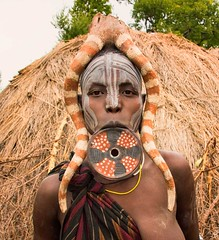 Mursi Woman, Ethiopia (Rod Waddington) Tags: africa portrait people face costume outdoor african painted traditional valle plate tribal valley afrika omovalley lip ethiopia tribe ethnic mago mursi afrique ethiopian omo etiopia ethiopie liplate