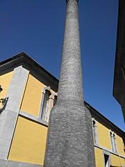Fantstica chimenea en Logroo (J L Ventura) Tags: color logroo chimenea contrastes