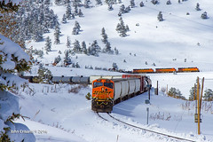 Over and Under... Kinda (Colorado & Southern) Tags: railroad mountains train colorado railway trains rockymountains railfan railroads moffat manifest railroading railfanning moffatroute bnsfrailway gees44dc gees44ac manifesttrain coloradorailroads coloradotrains gees44c4 themoffatroad