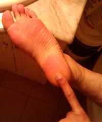 IMG_20160430_170853 (allroundeye) Tags: male feet barefeet wrinkles soles bigfeet malefeet wrinkledsoles solewrinkles