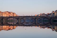 Specchiarsi in mezzo all'Arno (ilarifoto) Tags: ponte firenze arno toscana capodanno vecchio tamron1750 canon50d