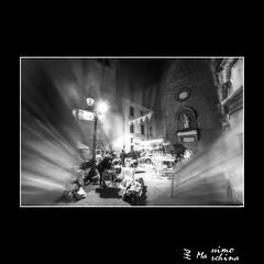 005636 D 800E (Massimo Marchina) Tags: city italy photoshop blackwhite nikon italia streetphotography 13 biancoenero vicenza reportage città lightroom veneto 2015 14mm 12dicembre dfine20 photoshopcreativo personaggivari sigmaaf14mmf28 silverefexpro2 d800e documentaristico efettosogno scorciparticolarieccdellacittà sigmaexaf14128asphericalhsm massimomarchina 001neutro contràfontana contràgiuseppegaribaldi filtrosfocaturaradialezoom warmtonebwistreettopazrestylev100 illuminazionifestenatalizie
