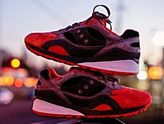 Saucony Shadow 6000 PREMIER Mars Landing Grey/Red (DRUMatthias) Tags: shadow red mars black grey shoes bokeh sony sneakers originals premier speckled 6000 saucony nex 5t lifeonmars greyred marslanding shadow6000 nex5t sauconyshadow premierskate