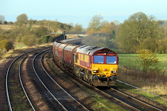 66091 (Richard Brothwell) Tags: diesel shed trains lincolnshire deutschebahn railways freight railroads sheds dbs yingying class66 dbc ews dbcargo 66091 meltonross dbschenker newbarnetby canoneos70d richardbrothwell