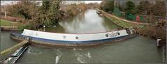Stricken barge (FlickrDelusions) Tags: england thames unitedkingdom oxford gb riverthames barge oxfordshire stricken sonydscr1