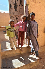 Children (Tahia Hourria) Tags: street girls sahara boys children calle village sable nora enfants rue algrie tahia afrique  dounia houria algriens hourria aitaissa atassa