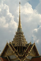 The roof of the Royal Palace (VinayakH) Tags: thailand religious temple bangkok buddha buddhist buddhism palace grandpalace wat royalpalace emeraldbuddha rattanakosin
