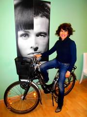 Mozas (Barba azul) Tags: las blanco de fiesta y negro bicicleta isabel carreras cintas peluquera mozas comarcadeguadix