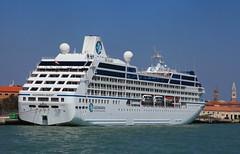 a Venezia (gianmaria.colognese) Tags: laguna venezia transatlantico
