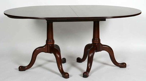Henkel Harris Double Pedestal Dining Table w/ 8 Queen Anne Chairs - $550.00