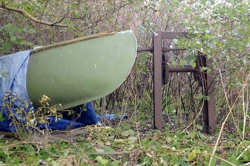 Vinsch och kanot i buskaget