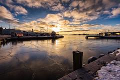 Helsinki (Tuomo Lindfors) Tags: sea sun ice sunrise suomi finland helsinki meri marketsquare kauppatori koleraallas j aurinko auringonnousu colorefexpro niksoftware viveza