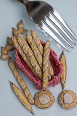 Miniature Baguette (PetitPlat - Stephanie Kilgast) Tags: sculpture art bread pain baker handmade polymerclay fimo baguette bakery foodart brot boulangerie realism miniaturefood oneinchscale 1to12