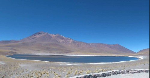 Laguna miñiques #landscape #volcano #lake #Chile