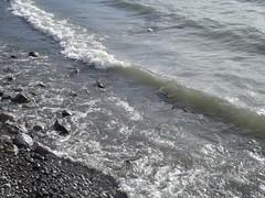 Lago y rocas 3 (imageneslibres) Tags: naturaleza sol lago agua olas rocas piedras celeste espuma marea