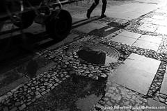 So Paulo, 2016. Centro / Downtown /  / Centre-ville / Innenstadt / Center. (roberto.historia) Tags: street shadow brazil blackandwhite brasil pessoas saopaulo sopaulo centro streetphotography sombra center rua persons pretoebranco fotografiaderua fotografiapoeticacom