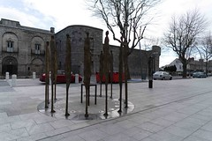PROCLAMATION BY ROWAN GILLESPIE [ACROSS THE STREET FROM KILMAINHAM GAOL]-113739 (infomatique) Tags: sculpture irishhistory touristattraction proclamation easterrising rowangillespie williammurphy infomatique 1916rebellion zozimuz remember1916 kilmainhanmgaol
