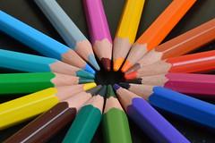 Spirale de couleur (AmandIne Chld) Tags: crayon couleur spirale