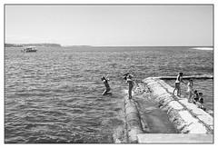 last days of summer  #573 (lynnb's snaps) Tags: ocean street summer bw film beach water coast jumping play manly sydney swimmers 2016 fomapan200 leicaiiic cv35mmf25 fomadonlqn