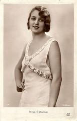 Miss Estonia 1931 (Truus, Bob & Jan too!) Tags: beauty fashion female vintage 1930s postcard contest moda beauté miss pageant concours mode bellezza schönheit wettbewerb feminin concorso weiblich femminile misseurope