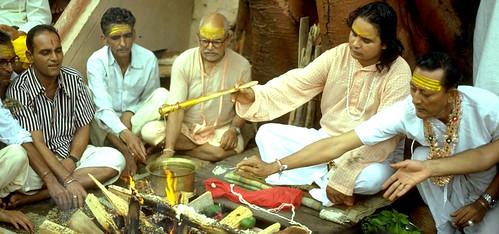 ashram-babaji-muniraji-herakhan-puja-1280