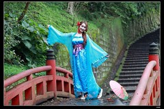 DP1U9396 (c0466art) Tags: old light portrait cute classic girl umbrella canon pose temple photography pretty place action outdoor quality gorgeous chinese taiwan sword lovely cloth charming elegant activity society pure keelung tranditional 1dx c0466art
