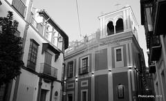 Calle Argote de Molina (Landahlauts) Tags: sevilla seville andalucia andalusia andalusien sville andalousie andalusie siviglia  andaluzia sagardi andaluzja sewilla andaluzio    endls      endulus        andalouzia andalusiya  calleargotedemolina  ishbiliya fujifilmxpro1 fujifilmfujinonxf18mmf2  capitaldeandalucia