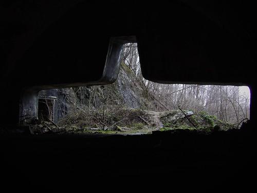 Depuis l'intérieur de la base souterraine