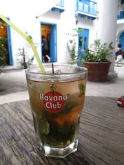 "La Havane: premier Mojito <a style=""margin-left:10px; font-size:0.8em;"" href=""http://www.flickr.com/photos/127723101@N04/25308165032/"" target=""_blank"">@flickr</a>"