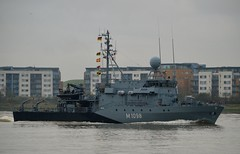 FGS Siegburg M1098 (1) @ Gallions Reach 15-04-16 (AJBC_1) Tags: uk england london boat ship unitedkingdom military navy vessel riverthames nato warship minesweeper eastlondon gallionsreach mcv nikond3200 northwoolwich newham germannavy navalvessel londonboroughofnewham deutschemarine minehunter m1098 m1090 3minensuchgeschwader ensdorfclassminesweeper dlrblog ajc bundeswehrnavy fgssiegburg 3rdgermanminesweepingsquadron