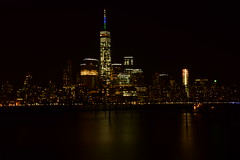 The big Apple (Sowjanya _) Tags: new york shadow reflection apple night wow big slow le shutter