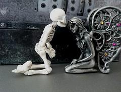 (claudine6677) Tags: pose skeleton skull elfe fairy bones fee skelett knochen schdel