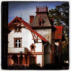 Villa Vivat #villavivat #vivat #hjo #sverige... (Anders SB) Tags: architecture sweden sverige ironwork arkitektur trehus hjo vivat sveitserstil uploaded:by=flickstagram bygnadsv instagram:photo=995038773627417075202339955 villavivat