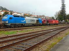 Takargo Comsa 335_001 (Avariada) + Takargo Rail 6004 (Ricardinho Rodrigues) Tags: de do rail castelo viana estao 6004 comsa avariada takargo 335001