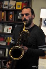 M4099422 (pierino sacchi) Tags: musica sax saxophone libreria recitazione baritono oneiros andreaferrari libreriacardano simonemocennibeck igorebulipoletti