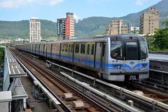 Taipei Metro - Line 2, 523, Beitou (Howard_Pulling) Tags: china roc nikon october metro taiwan taipei taiwanese 2014 taipeimetro howardpulling d5100