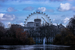 London Eye (dretschi) Tags: park london see urlaub samsung londoneye stjamespark fontaine kran riesenrad bsche theshard