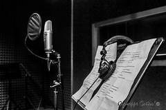 Singer (giuseppe.cutro) Tags: world old people bw music white black love paper studio photo italia foto picture style sala bn e sound musica singer passion microphone recorder bianco nero sicilia microfono cantante passione suoni incisione registrazione spartiti
