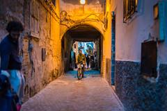 Essaouira - Street life in the Medina (Thomas G. from U.) Tags: africa morocco maroc maghreb essaouira marokko mogador almaghrib kingdomofmorocco northwestafrica  mogadore   thewesternkingdom asawra taurt almamlakahalmaghribiyah regionofwesternnorthafrica marrakeshsafi  313047n94611w
